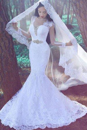 1c4b867014 Vous pouvez commencer à concevoir votre robe de mariée en naviguant d'abord  sur les sites Web en ligne à la recherche de nombreuses robes magnifiques  que ...